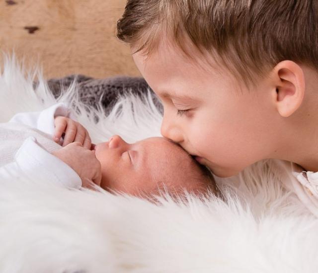 Babyfoto Newborn Geschwister Bilder Eichstätt und Weißenburg in Bayern