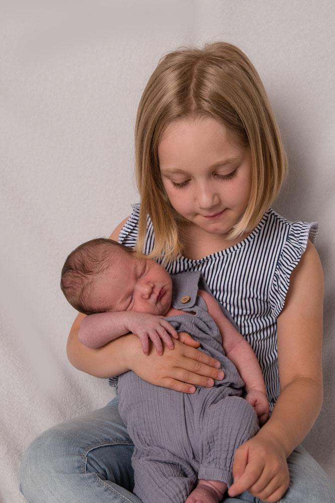 Geschwisterfotografie mit Baby Neugeborenen Eichstätt Weißenburg