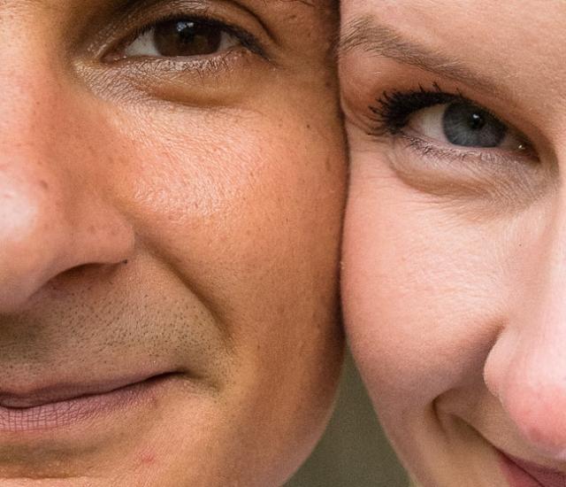 Paarbild mit Augen im Fokus, Gesichter eng beieinander